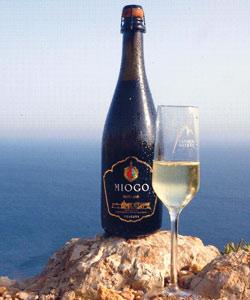 Miogo Vinho Verde sparkling wine